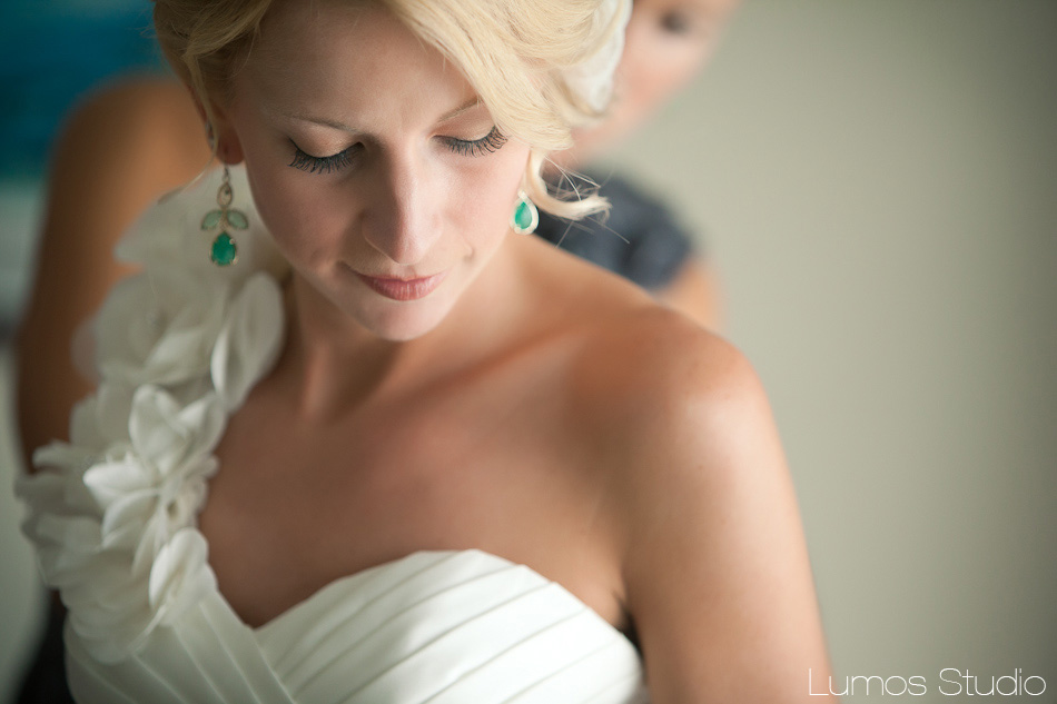 A bride prepares for her wedding on Johns Island in SC